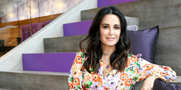 Kyle Richards has bangs and a new hairstyle now