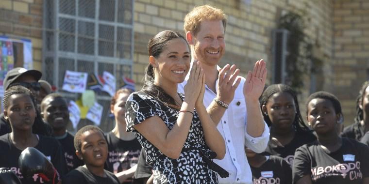 Meghan Markle bracelet, Prince Harry bracelet, royals Africa tour