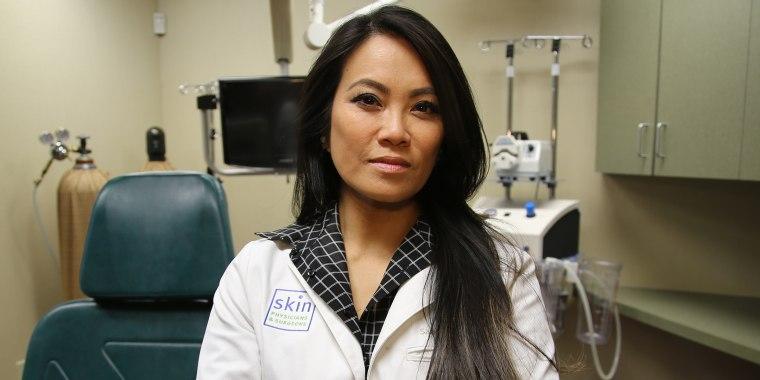 Pimple Bursting Doctor Becomes 'Pop' Star