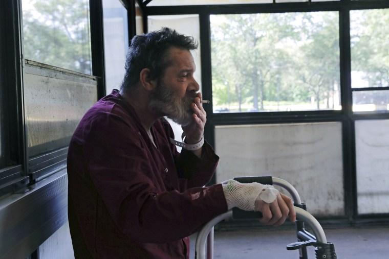 Image: VA smoking ban