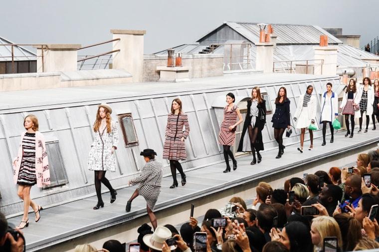 Image: Chanel : Runway - Paris Fashion Week - Womenswear Spring Summer 2020