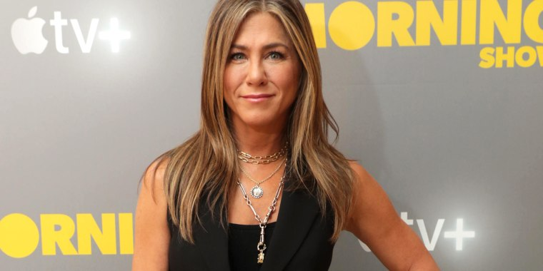 Jennifer Aniston honors late dog Dolly with beautiful necklace