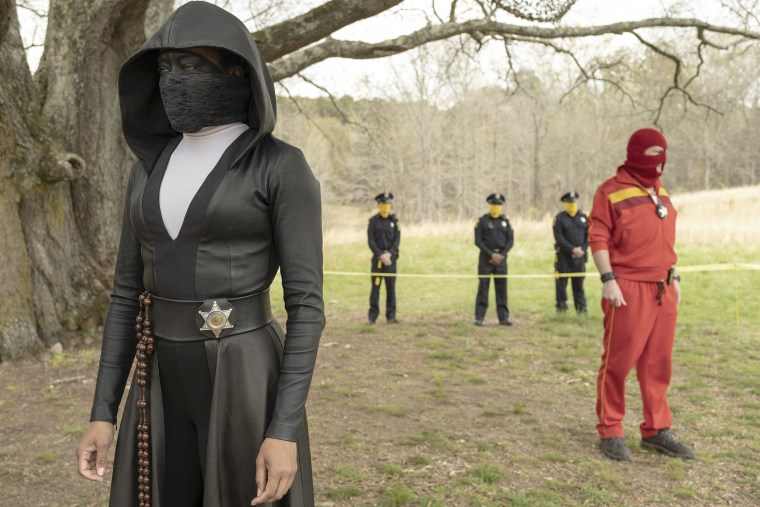 """Regina King and Andrew Howard in \""""The Watchmen\"""" on HBO."""
