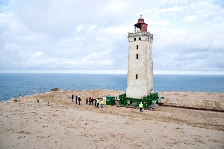 Danes try to move 120-year-old lighthouse from eroding coast