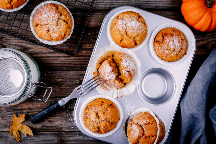 Craving fall baked goods? Try this easy pumpkin muffin recipe