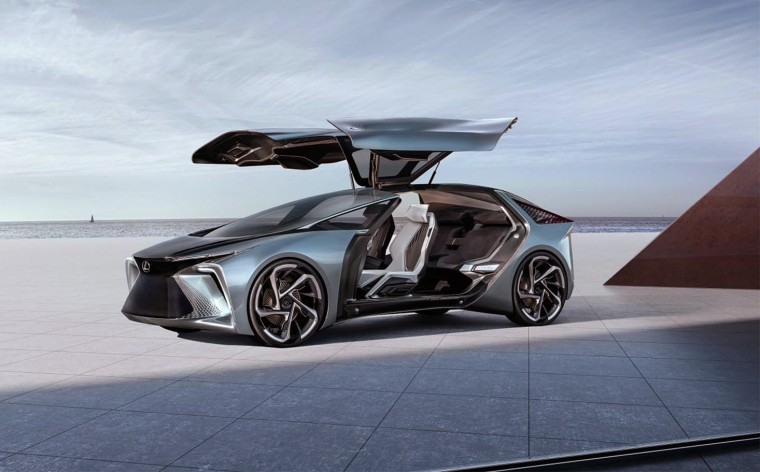 The Lexus LF-30, whose name references both the 30th anniversary of the Lexus brand and the point in time to which it looks ahead, includes a roof that can use augmented reality to enhance the night sky.