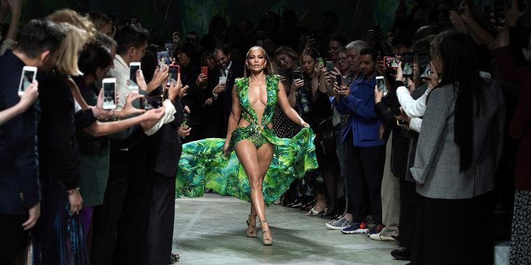 J Lo Halloween 2020 J.Lo celebrates fans rocking her iconic Versace green dress look