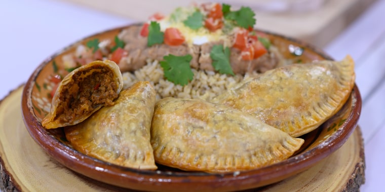 GINA HOMOLKA: Broccoli, Cheese & Potato Soup + Slow-Cooker Beef Tacos + Taco Empanadas + Spicy Turkey and Brussels Sprout Stir Fry + Carne Asada Fries