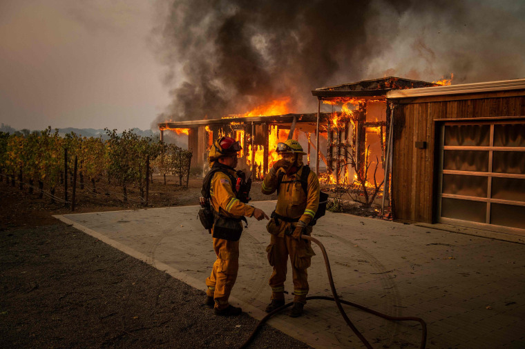 Image: TOPSHOT-US-CALIFORNIA-FIRE