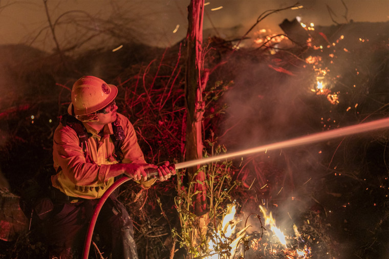 "Image: ""Extreme"" Santa Ana Winds Spark New Wildfires In Southern California"