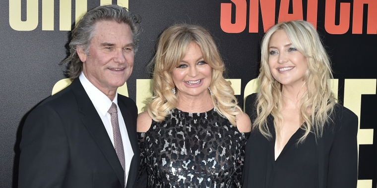 Kate Hudson, Goldie Hawn and Kurt Russel