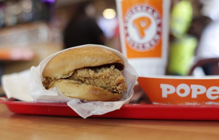 Image: Popeyes crispy chicken sandwich