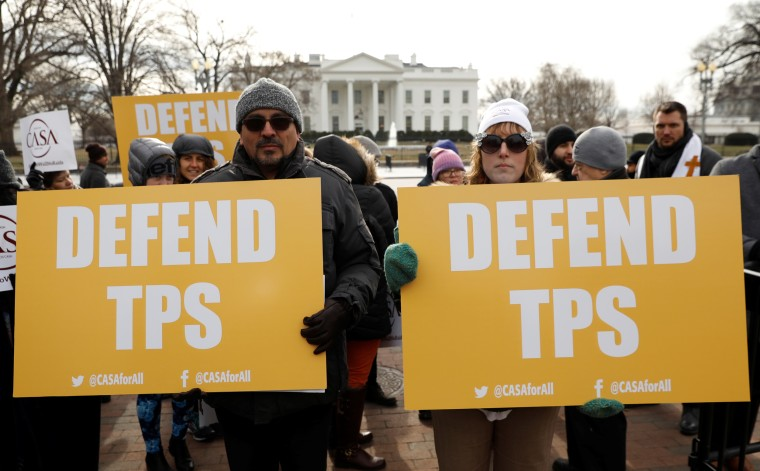 Imahe: Protest over termination of the Salvadorans' TPS in Washington