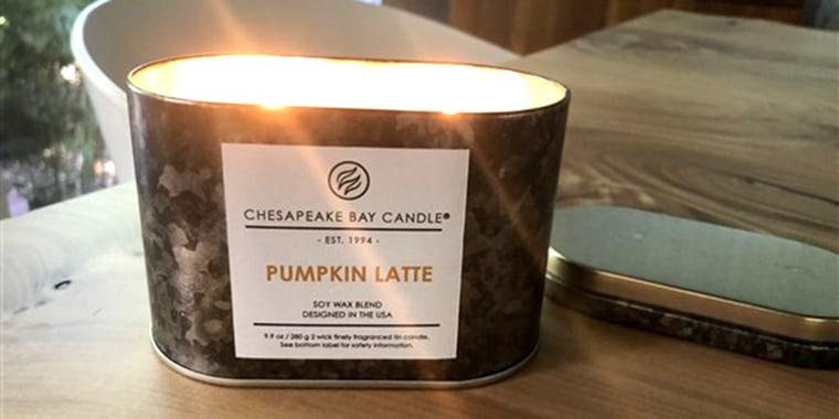 It's finally pumpkin candle season!