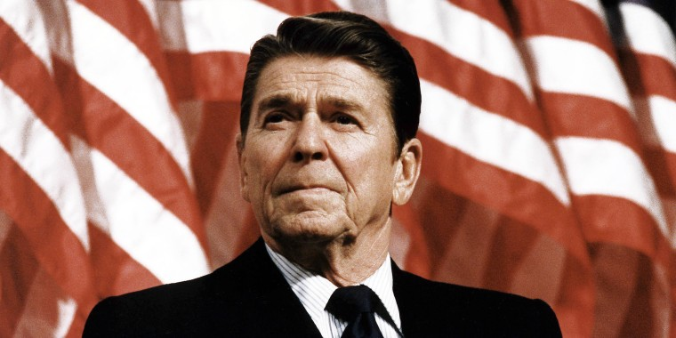 Image: President Ronald Reagan at Durenberger Republican convention Rally, 1982