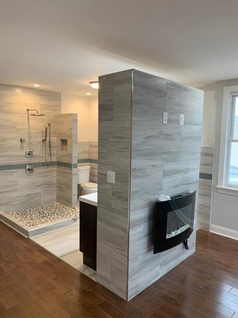 Open Concept Bathroom In Philly Al, Open Concept Bathroom