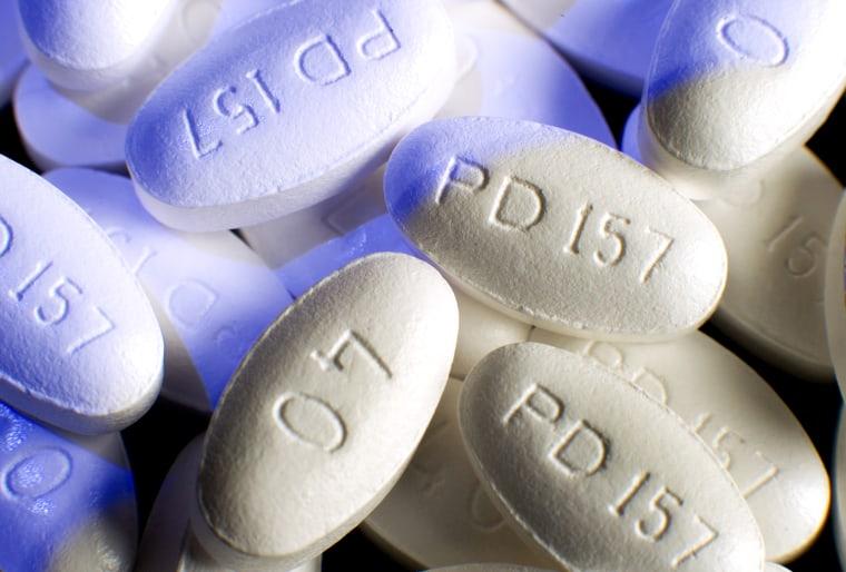 Image: Lipitor tablets.