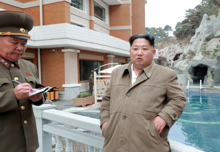 Image: North Korean leader Kim Jong Un inspects Yangdok Hot Spring Resort