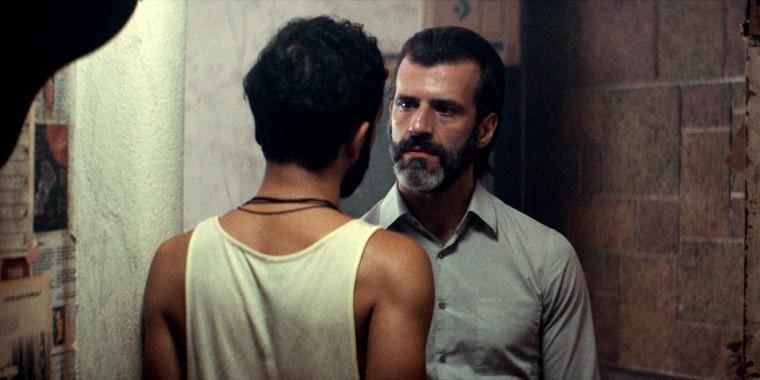 "Image: Juan Pablo Olyslager in ""Temblores."""