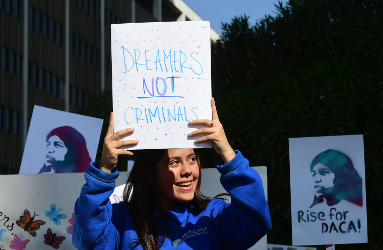 Image: Students and supporters of DACA rally in Los Angeles