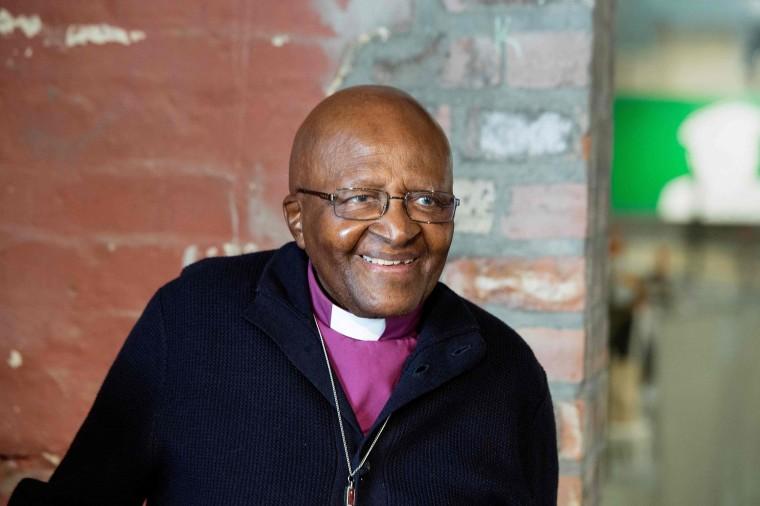 Desmond Tutu hospitalizado