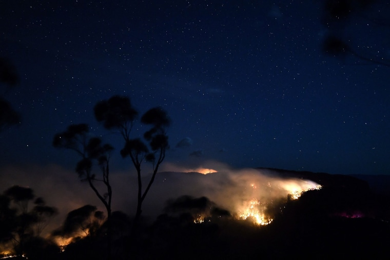 Image: TOPSHOT-AUSTRALIA-WEATHER-BUSHFIRE