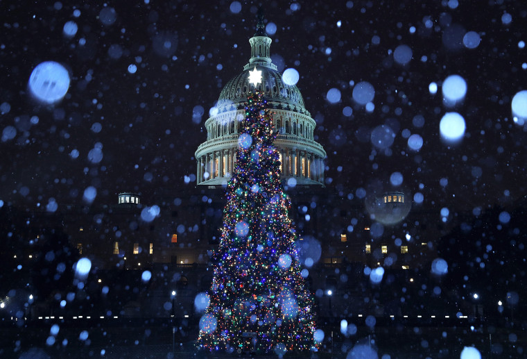 A Wintry Mix Of Sleet And Snow Falls On Washington
