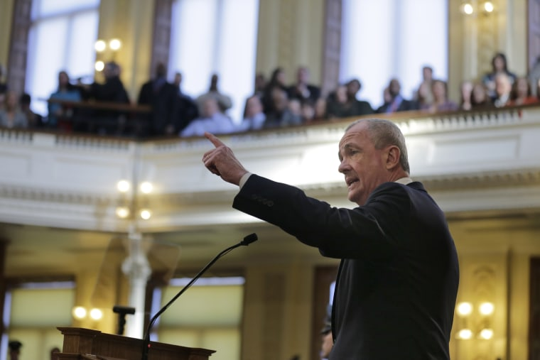 New Jersey enacts law allowing unauthorized immigrants to get driver's licenses