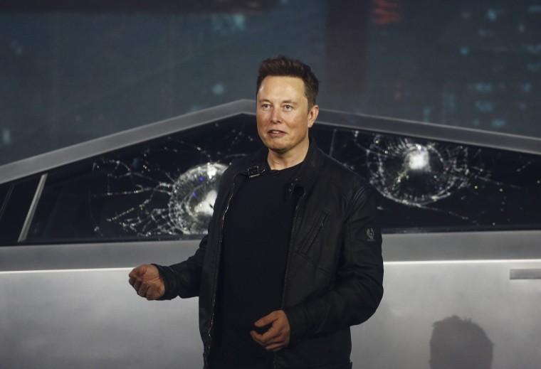 Image: Elon Musk, Cybertruck glass fail