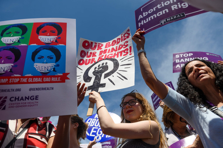 Image: us-politics-abortion-protest-social