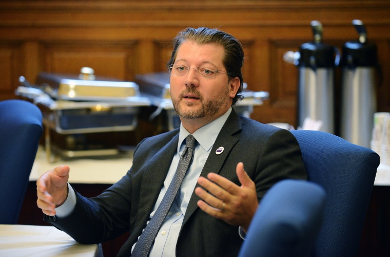 Council member David Grosso attends council meeting in Washington