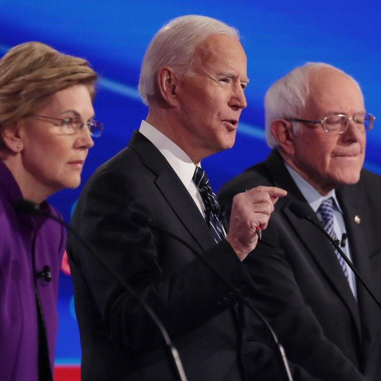 Image: Democratic Presidential Candidates Participate In Presidential Primary Debate In Des Moines, Iowa