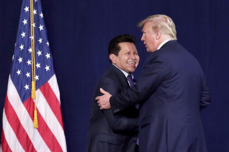 Image: Donald Trump, Guillermo Maldonado