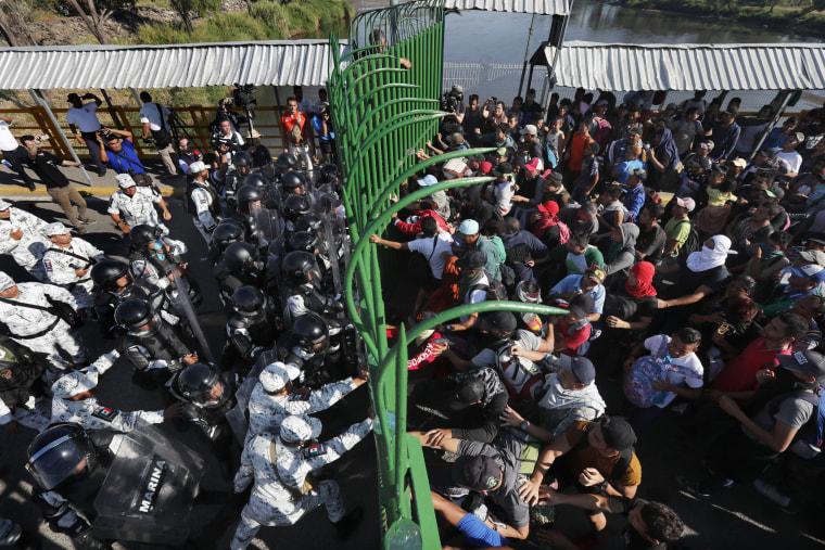 Image: Migrants Mexico border