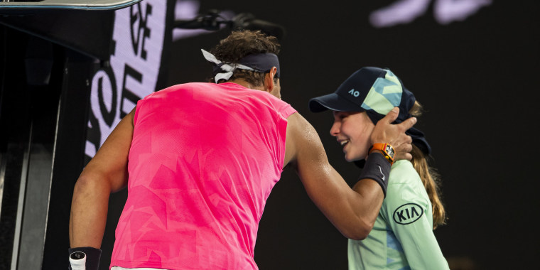 Rafael Nadal apologizes to ball girl after hitting her with ball at Australian Open
