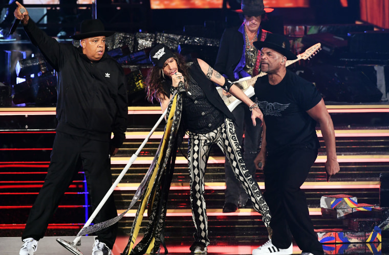 Aerosmith Reunites With Run Dmc At Grammys On Walk This Way