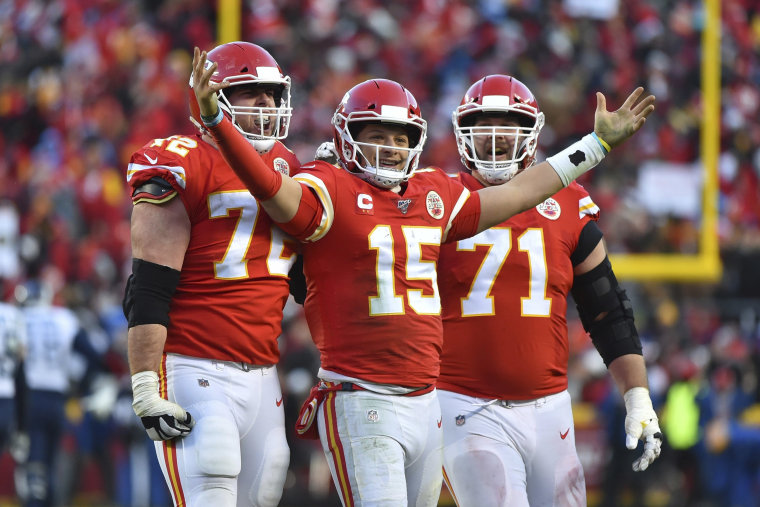 Image: Kansas City Chiefs' Patrick Mahomes (15) celebrates a touchdown pass with Eric Fisher (72) and Mitchell Schwartz (71) during the second half of the NFL AFC Championship football game against the Tennessee Titans