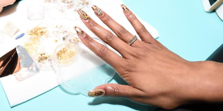 how to remove acrylic nails, acrylic nails, nail polish, how to take off acrylic nails