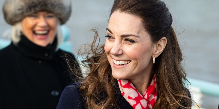 Kate Middleton scarf
