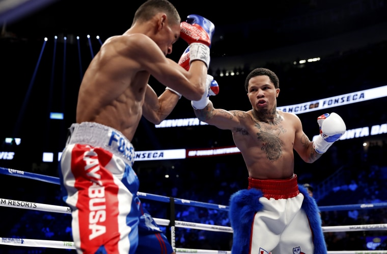 Image: Gervonta Davis, right, during the IBF World Super Featherweight Title in Las Vegas in 2017.