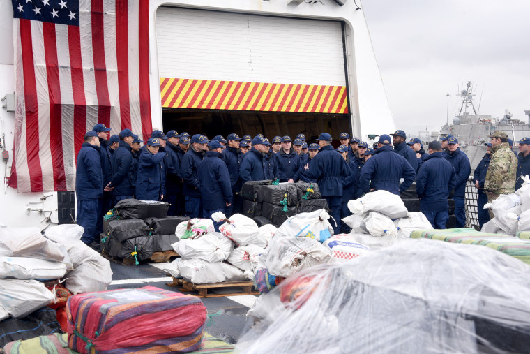 Coast Guard Cutter Munro conducts drug offload in San Diego
