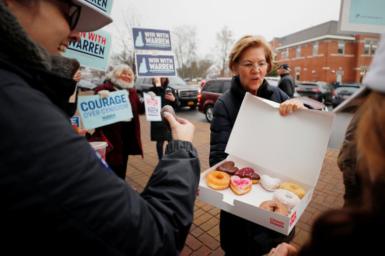 Image: Democratic 2020 U.S. presidential candidate Warren campaigns in Portsmouth
