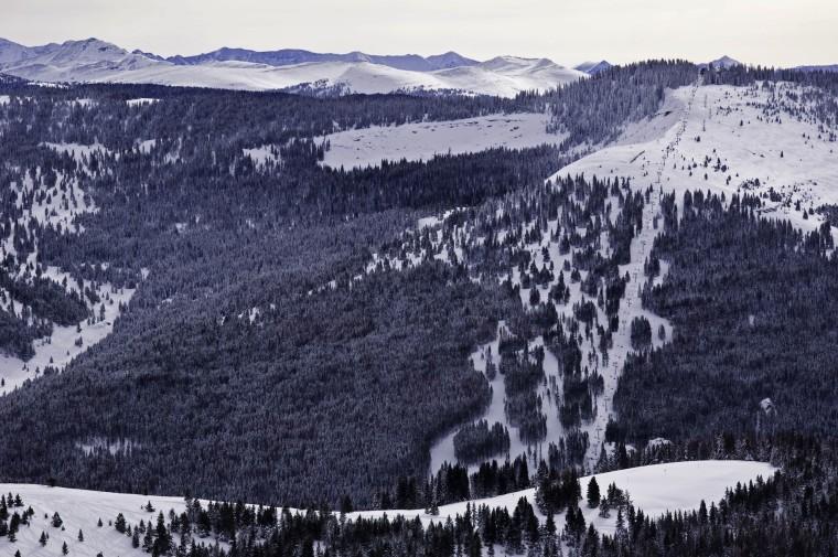 Man dies in bizarre Colorado ski lift accident