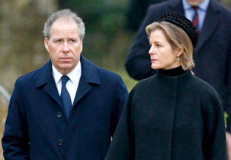 Queen Elizabeth's nephew, the Earl of Snowdon, and his wife announce plans to divorce