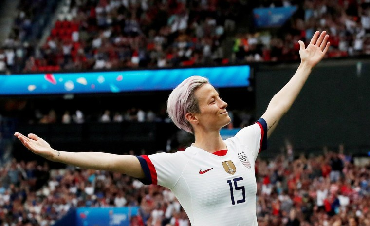 Image: Megan Rapinoe of the U.S. celebrates scoring their first goal