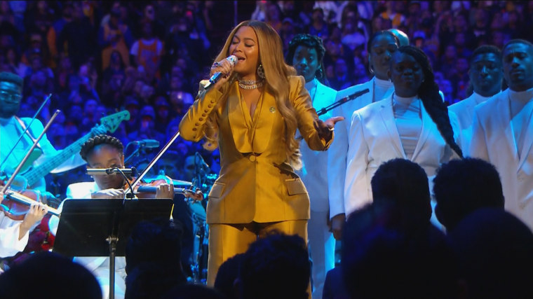 Beyonce performs at a memorial for Kobe Bryant.