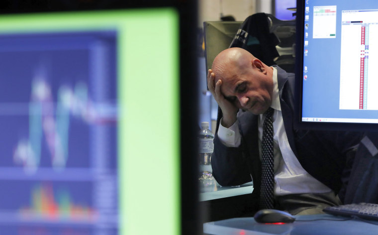 Dow closes down 879 points for 1,900-point loss over two days