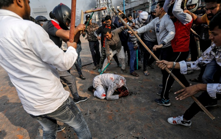 Image: A Picture and its Story: A mob out for blood: India's protests pit Hindus against Muslims