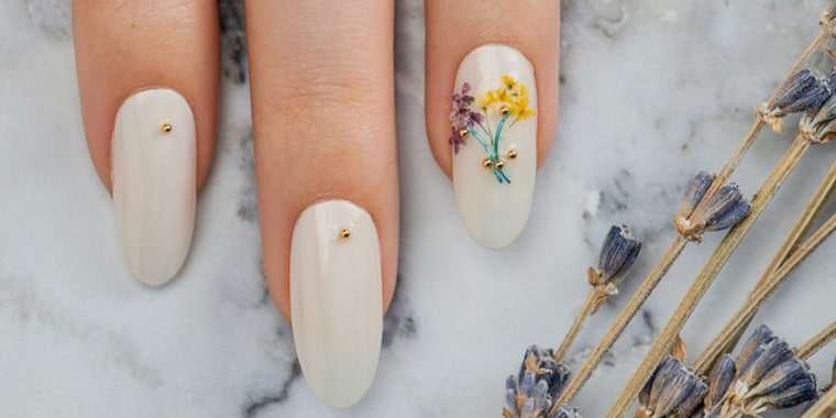 Pressed flower nails