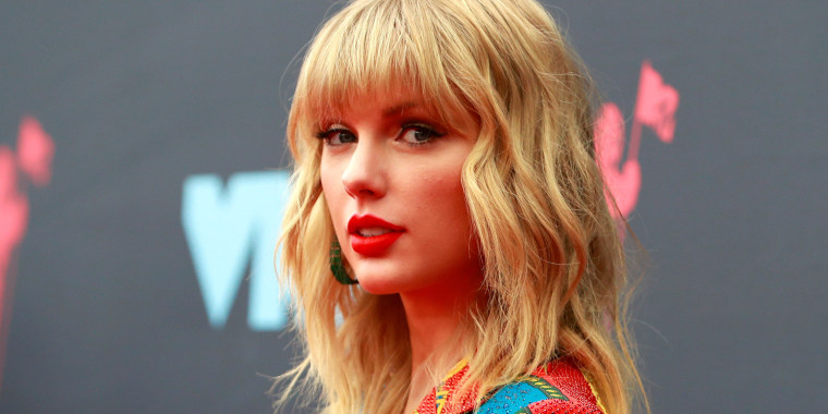 Image: FILE PHOTO: 2019 MTV Video Music Awards - Arrivals - Prudential Center, Newark, New Jersey, U.S.
